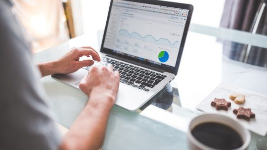 Les avantages de confier sa stratégie de communication à une agence web bordelaise